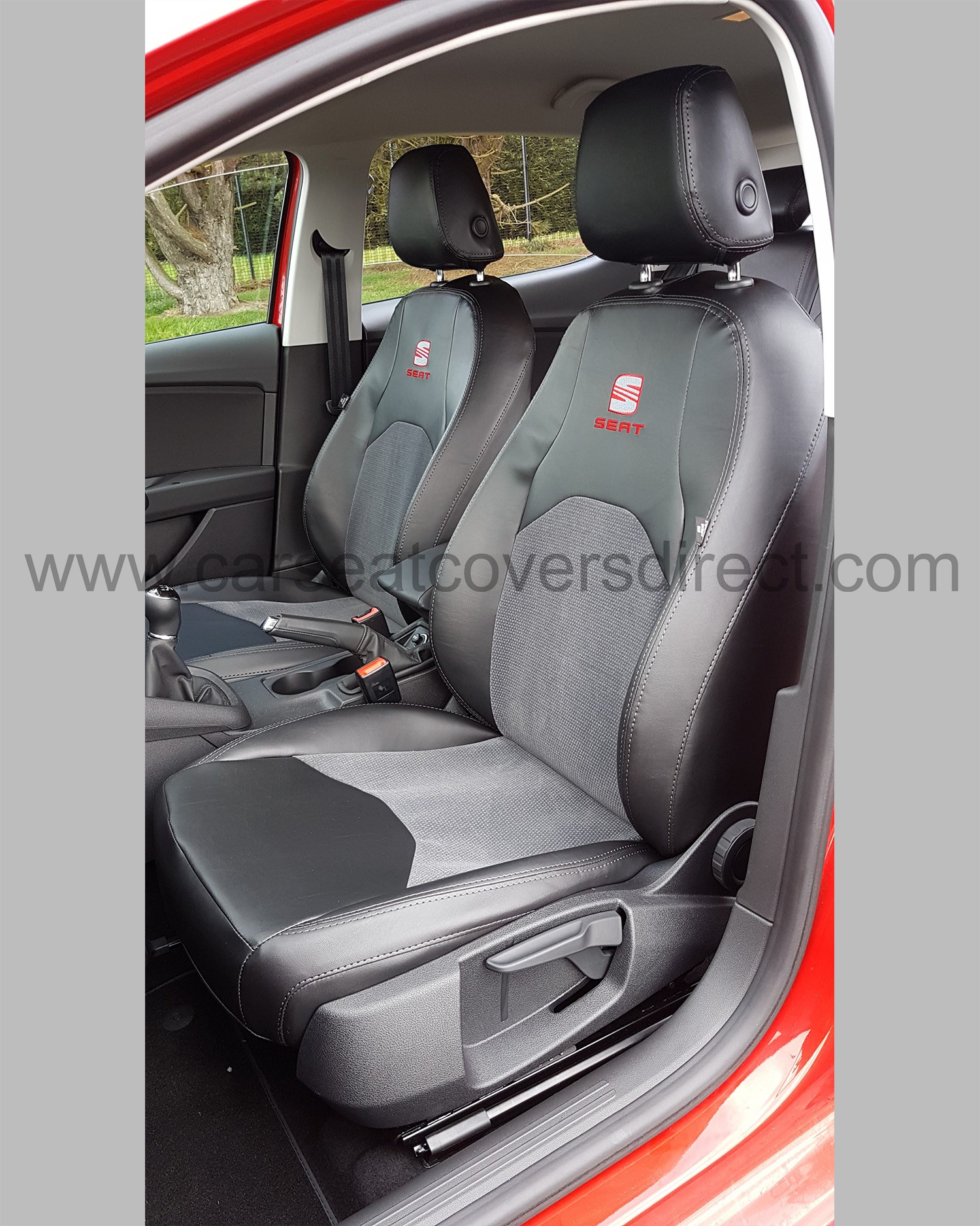 SEAT Leon Seat Covers - Black with Cloth Centres Car Seat Covers Direct - Tailored To Your Choice