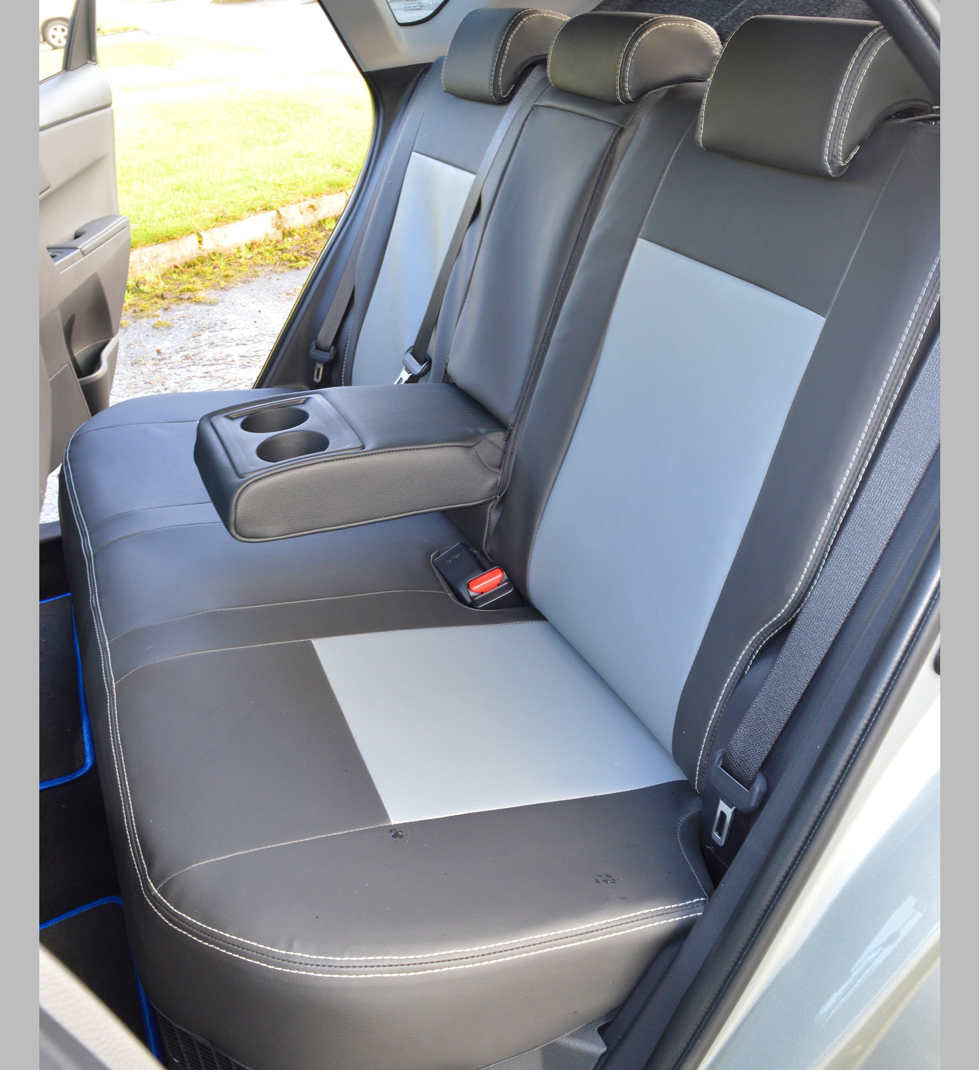 Toyota Seat Covers >> Toyota Auris Hybrid Tailored Seat Covers