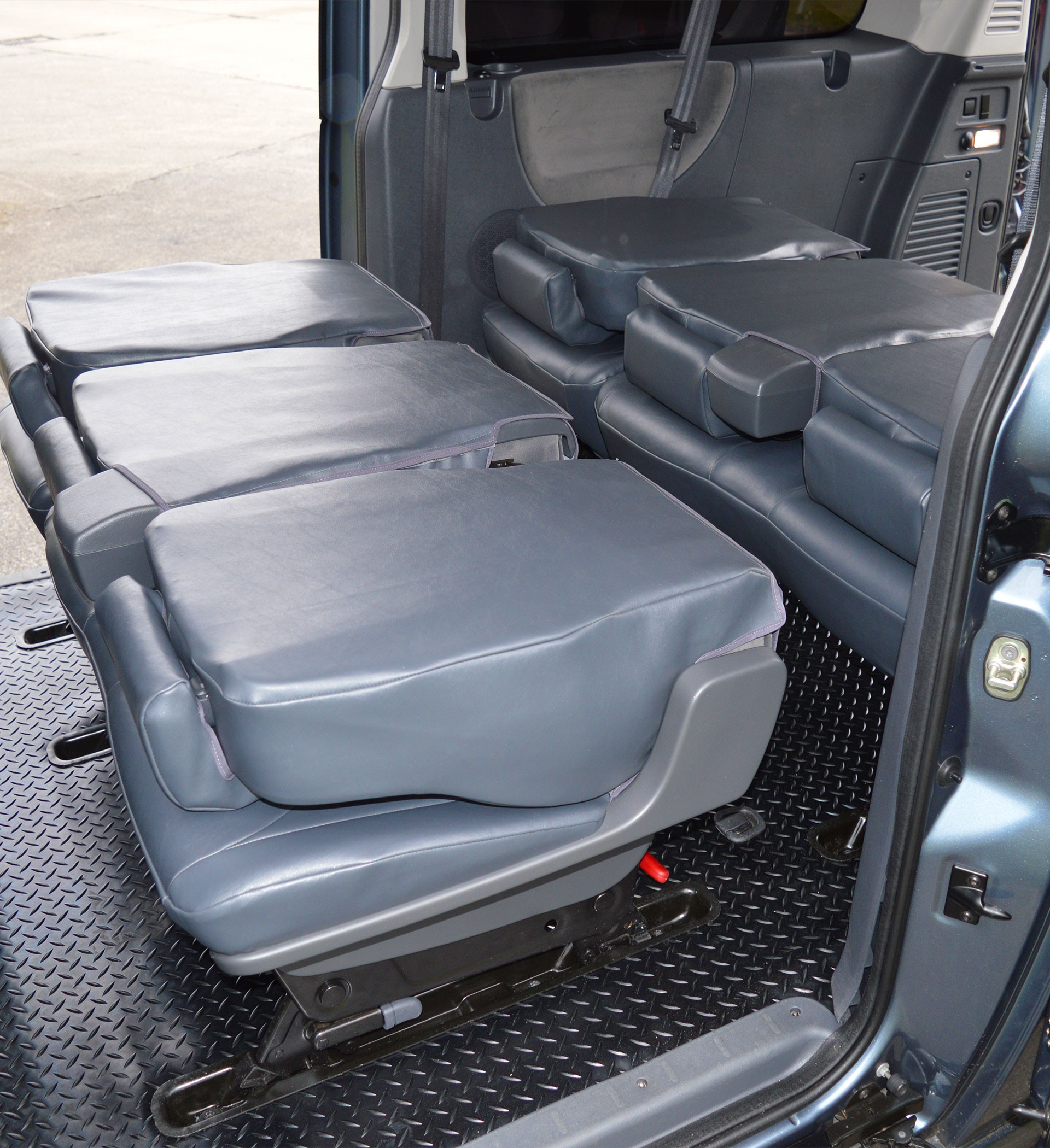 2016 Used Ford Transit Connect Campervan Class B In: Peugeot Expert 9 Seater Waterproof Tailored Van Seat