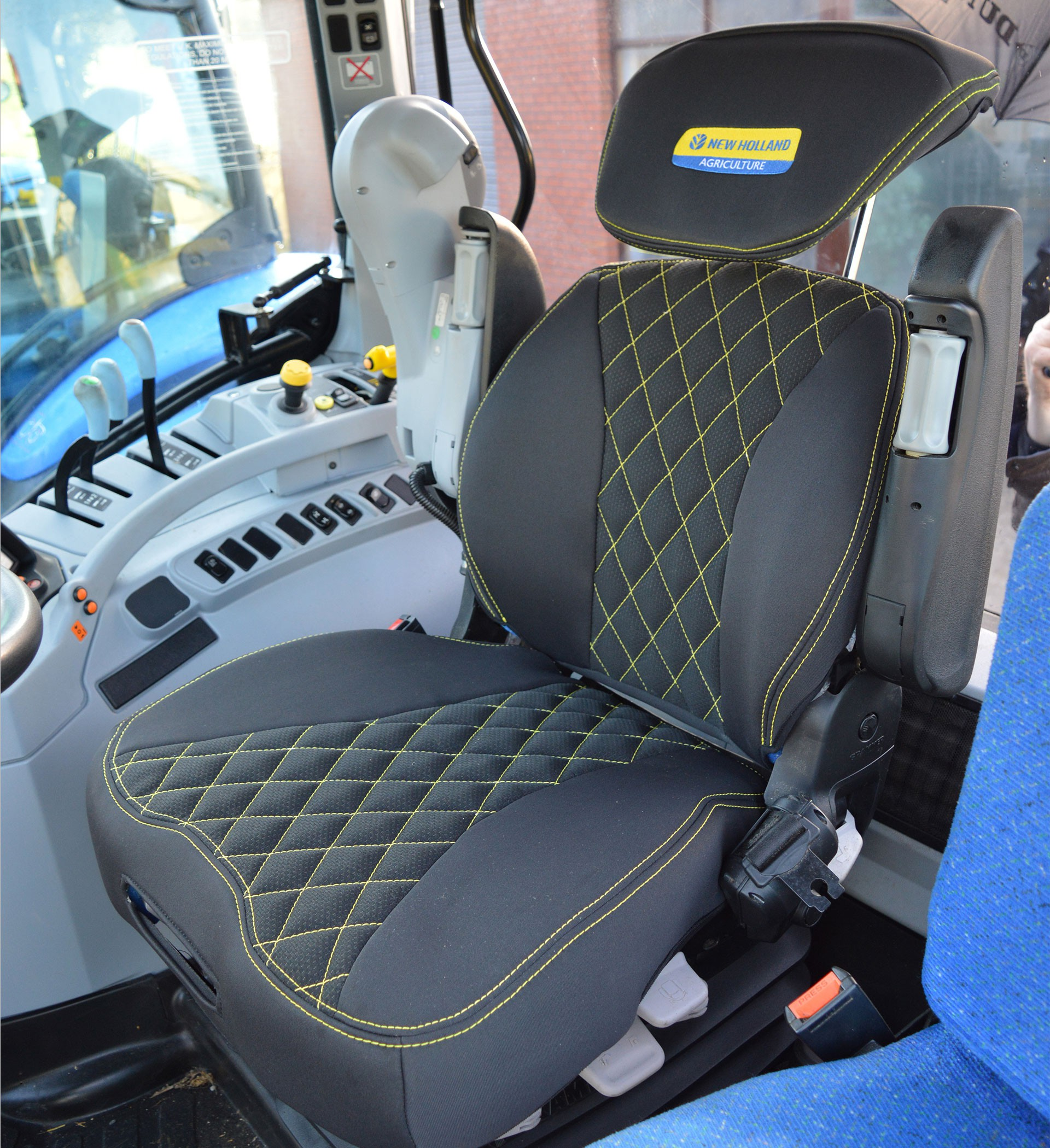 Tractor Seat And Seat Covers : New holland tractor grammer maximo dynamic tailored seat