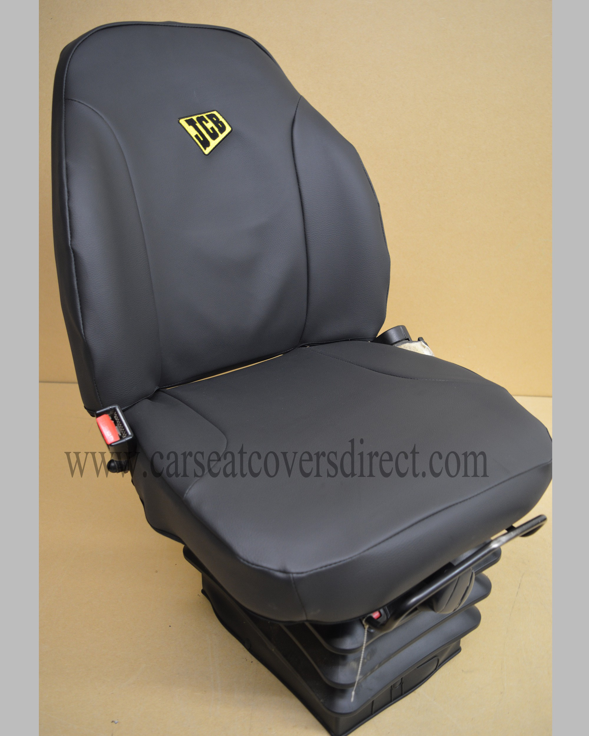 JCB 535-140 telescopic seat with black leatherette seat cover