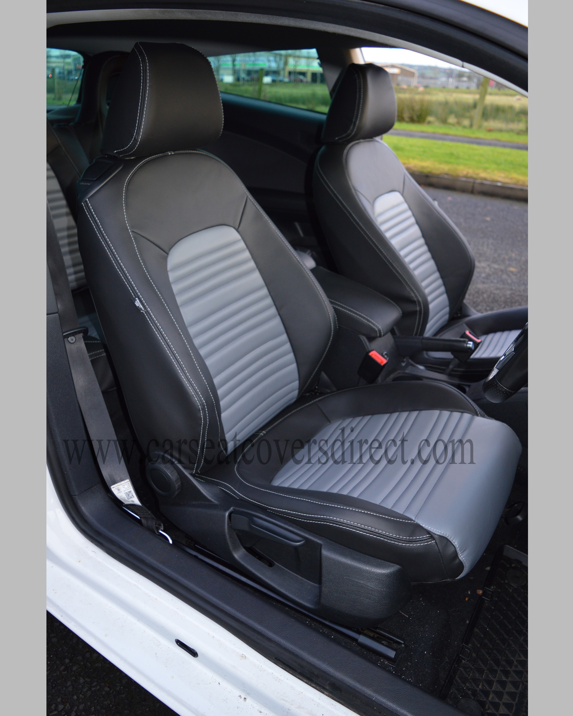 Volkswagen VW Scirocco Seat Covers - Black with Grey Centres