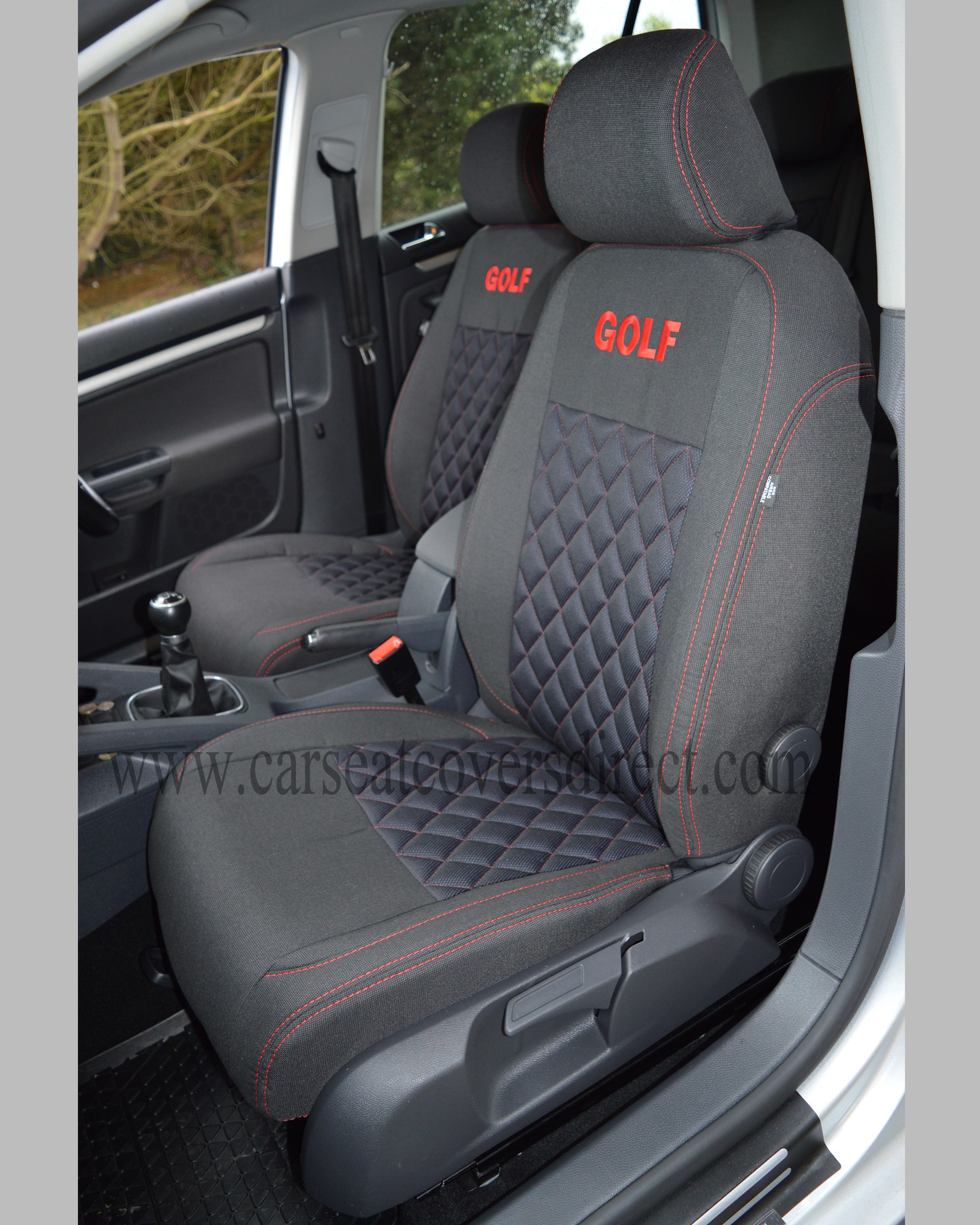 Passenger seat with diamond quilted cloth seat cover