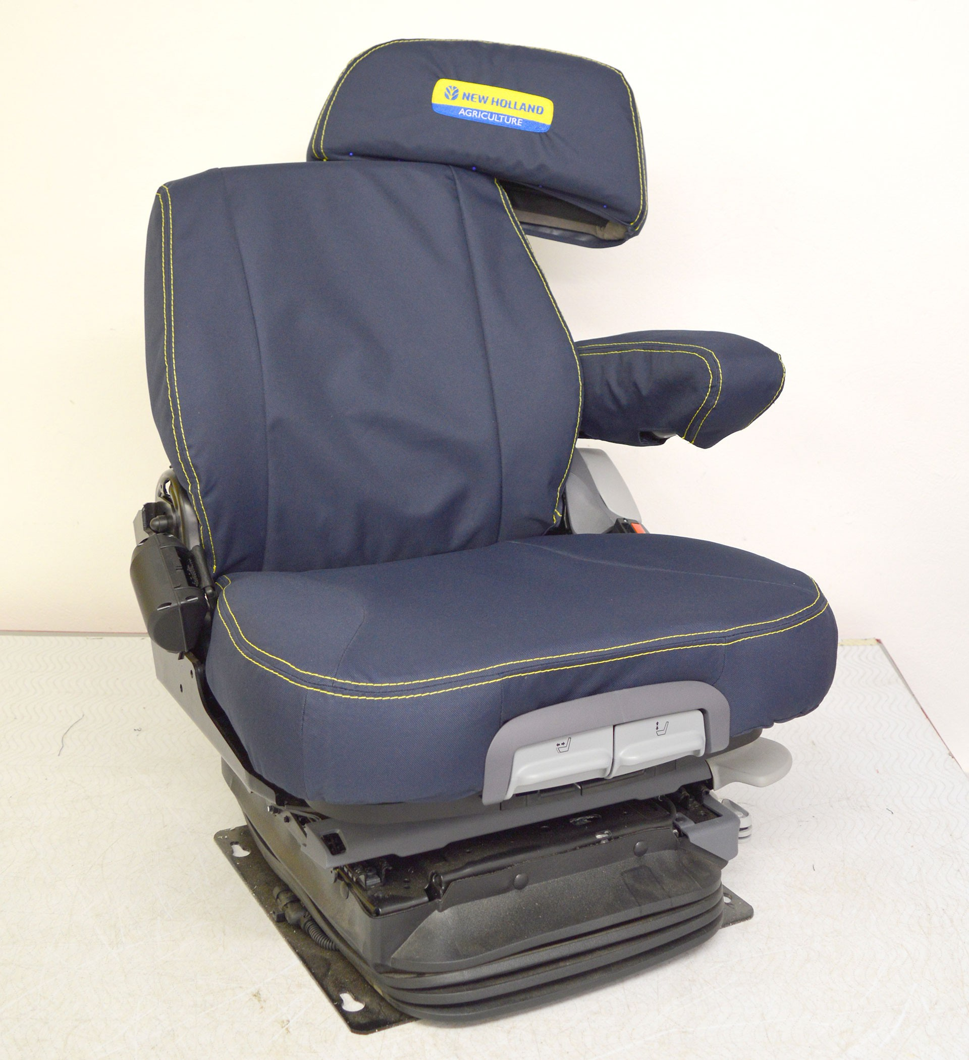 New Holland Grammer Maximo Dynamic Plus Tailored Seat Covers